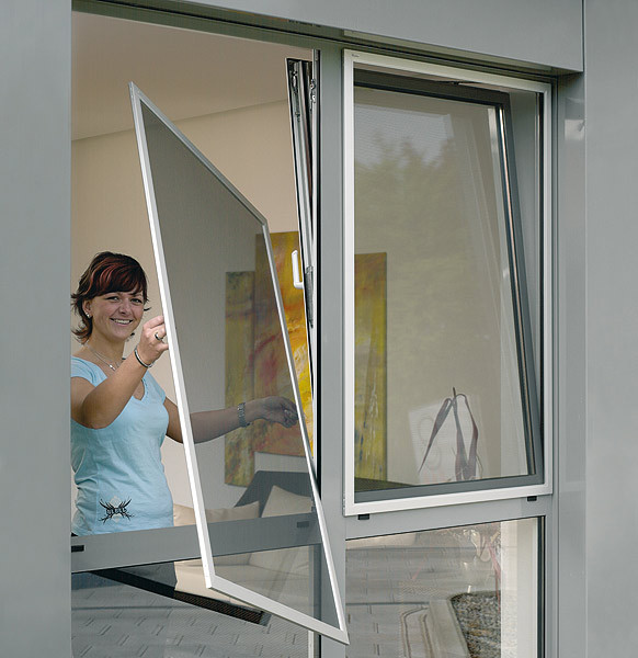 Сколько стоит пластиковая окно в квартиру